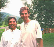 Anthony Raffa with Kenny Loggins - Smaller photo.jpg (76629 bytes)